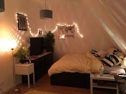 Schlafzimmer Mit Dachschräge Und Balken Wandgestaltung Dachschräge