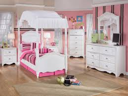 Lil Girls Bedroom Sets Little Girls Canopy Bed Chic Inspiration 19 Best Sets Ideas Gnscl