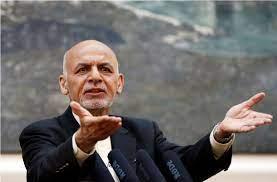 الرئيس الأفغاني يقبل الاستقالة ويغادر إلى طاجيكستان