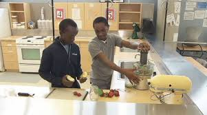 Homewood students blend smoothies with a bike