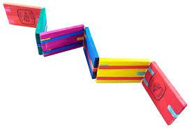Los juegos mexicanos tradicionales nos ayudan al desenvolvimiento y desarrollo humano para poder obtener nuevas destrezas y habilidades como por lo contrario los juegos que los niños desarrollan o practican hoy en día, son muy sedentarios y omiten hacer la actividad físicas, así enfocándose más. Juguete Popular Tablita Magica Wiwi Juguetes De Mayoreo Wiwi
