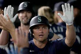 Kyle Seager leads Mariners ...