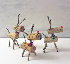 11 Christmas Decorations You Can Easily Make From Recycled MaterialsChristmas Crafts Recycled Materials