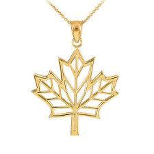 design maple leaf pendant necklace