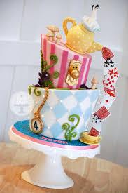 Alice In Wonderland Decorations Best 25 Alice In Wonderland Cakes Ideas On Pinterest Wonderland