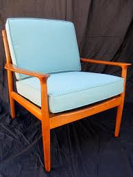 How to Refinish a Vintage Midcentury Modern Chair | DIY
