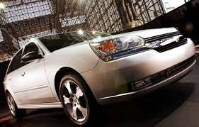 Car Review 2005 Chevrolet Malibu Maxx Driving