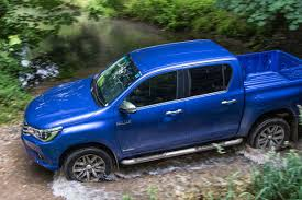 Drive.co.uk | The Toyota HiLux invincible, just born to run | Reviewed