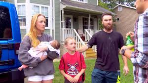 mom and mom og maci bookout and new boyfriend taylor and her son bentley and taylor and maci s daughter jayde and is bentley s sister maci