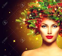 クリスマス冬女性美しいクリスマスの休日のヘアスタイル の写真素材