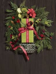 h16 0469 v2 r2 crop every aveda gift