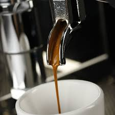 A short black ie single or double shot wit more water (double the water )than espresso is used to make a lungo coffee. What Kind Of Drink Is A Lungo