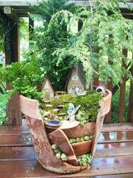 faerie garden. Broken-pot-fairy-garden-7 Faerie Garden A