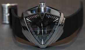 hamilton ventura xxl watch in men in black iii this 2012 hamilton ventura xxl limited edition watch will come as a set of 999 pieces the integration of the swiss eta 2824 2 automatic movement is rather