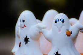 <b>Halloween Party</b> Games With a <b>Ghost Theme</b>