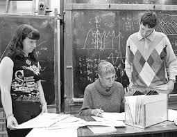 ВЗГЛЯД Российское образование окончательно отходит от советской  Вполне возможно что в качестве дипломных работ будут засчитываться даже студенческие стартапы