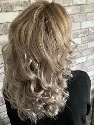 Balayage Van Hoog Geelblond Naar Een Mooie Natuurlijke As Blond