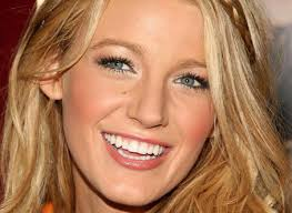Lively Bra Size Chart Blake Lively Height Weight Bra Size Measurements Bio