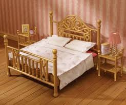 Luxury Brass Bed   Sylvanian Families