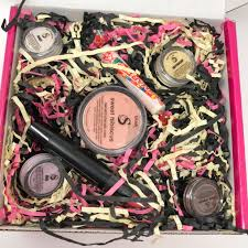 the makeup is great for your skin lasts 18 hours even in the pool or at the beach yet es off with a gentle cleanser