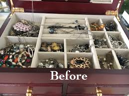 this diy jewelry organizer is so pretty and so easy to make
