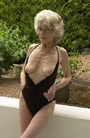 Sexy mature model torrie