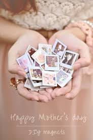 37 handmade gift ideas for mom that she s guaranteed to love diy polaroid magnets