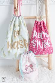free tutorial and lined drawstring bag sewing pattern how to sew a reversible drawstring bag