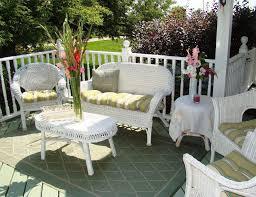 white wicker patio furniture seat