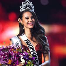 Miss Universe 2018 Crown Design Miss Universe 2019 Who Won The Pageant Crown Last Year