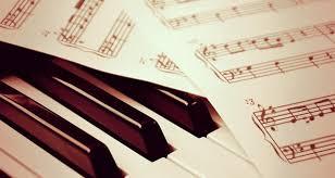 Musik merupakan segala sesuatu hal yang berhubungan dengan bunyi & memiliki berbagai unsur irama, seuntai melodi & harmoni yang dapat membentuk sesuatu yang indah dan bisa dinikmati oleh seseorang lewat indera pendengarannya. Seni Musik Pengertian Jenis Dan Unsurnya Lengkap