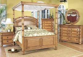 Cindy Crawford Key West Queen Light Pine 6Pc Canopy Bedroom ...