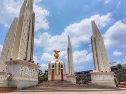 Democracy Monument | อนุสาวรีย์ประชาธิปไตย BKK | การถ่ายภาพ, รูปภาพ,  การออกแบบปกหนังสือ