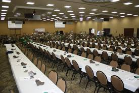 round tables and long tables seating for 500