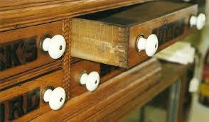 types of drawer joints. this turn of the 20th century spool cabinet has finger joints. photo by fred taylor types drawer joints