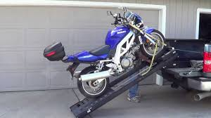 DEMONSTRATION OF HAUL-MASTER MOTORCYCLE LIFT RAMP - YouTube