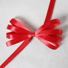 how-to-make-a-ribbon-bow-for-gift-