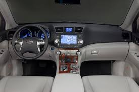 2011 Toyota Highlander Gets a Facelift and Starts at $27,390 | The ...