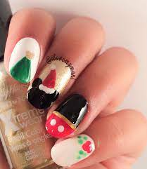 Christmas Mickey Mouse nails!