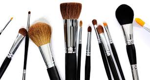there 39 s now a dry shoo for your makeup brushes thanks to sephora clean brush thechrisellefactor cleanbrushes0004 thechrisellefactor