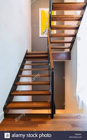 Top marken günstige preise große auswahl. Treppen Aus Holz Stockfotos Und Bilder Kaufen Alamy