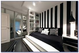 black and white striped wallpaper black and white striped wallpaper bedroom ideas black and white striped black and white striped wallpaper