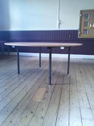 wood table banqueting for round banqueting table