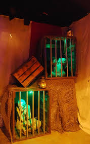 haunted house lighting ideas. halloween haunt inspiration for carnevil scene make better cages u0026 lighting haunted house ideas e