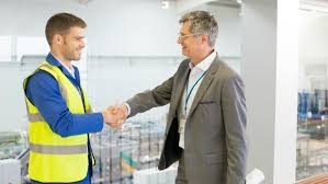 what is the role of a facilities manager com