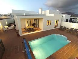 Moderne Luxusvilla Beheizter Pool Whirlpool Klimaanlage Wi Fi