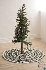 Green and White Crochet Tree Skirt
