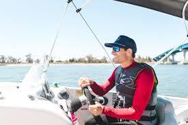how to choose a marine surveyor