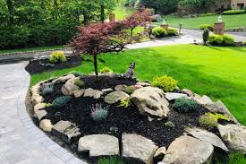 Your Spring Landscape: Ideas for a Gorgeous Yard | HouseLogic