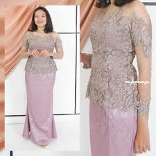 Kebaya brokat modern rok duyung jacquard minat hubungi wa via pinterest.com. Setting Of Kebrina Sabrina Brokate Modern Skirt Duyung Jaguad Modern Casual Party Kebaya Shopee Malaysia